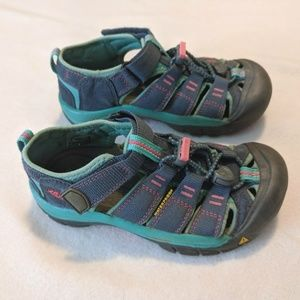 Keen sandals / shoes